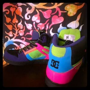 DC SHOES WOMENS HIGHTOP SZ 8